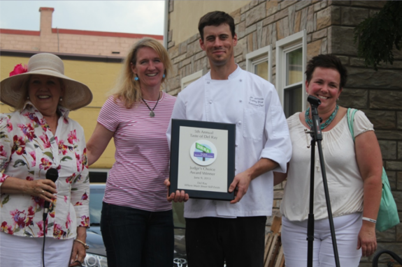 Evening Star Cafe wins Judge's Choice award; judge Jordan Wright with Stephanie Babbin, Executive Chef Jim Jeffords and Christi Hart (by Katie Smythe)