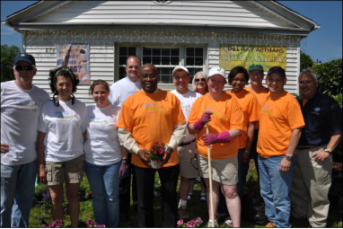 Mayor Bill Euille and SunTrust and King Street Wireless Volunteers at the Del Ray Artisans Gallery for Spring Garden Cleanup - photo by Jay