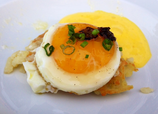 Sunny Hen Egg on Potato Rosti with Truffle Hollandaise