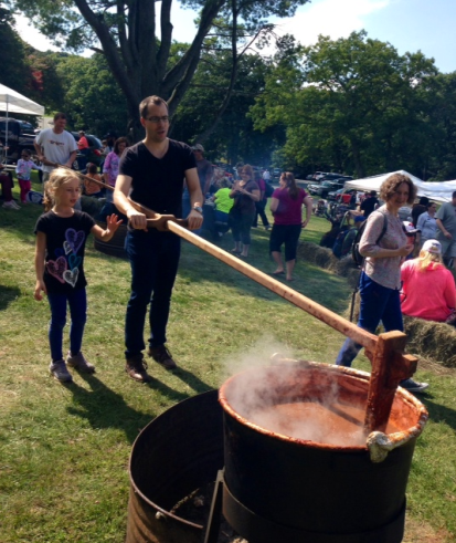 Stirring the apple butter