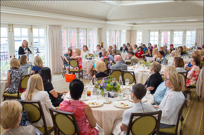 Author Kristin Hannah takes questions from the guests. Photo credit Dan Chung