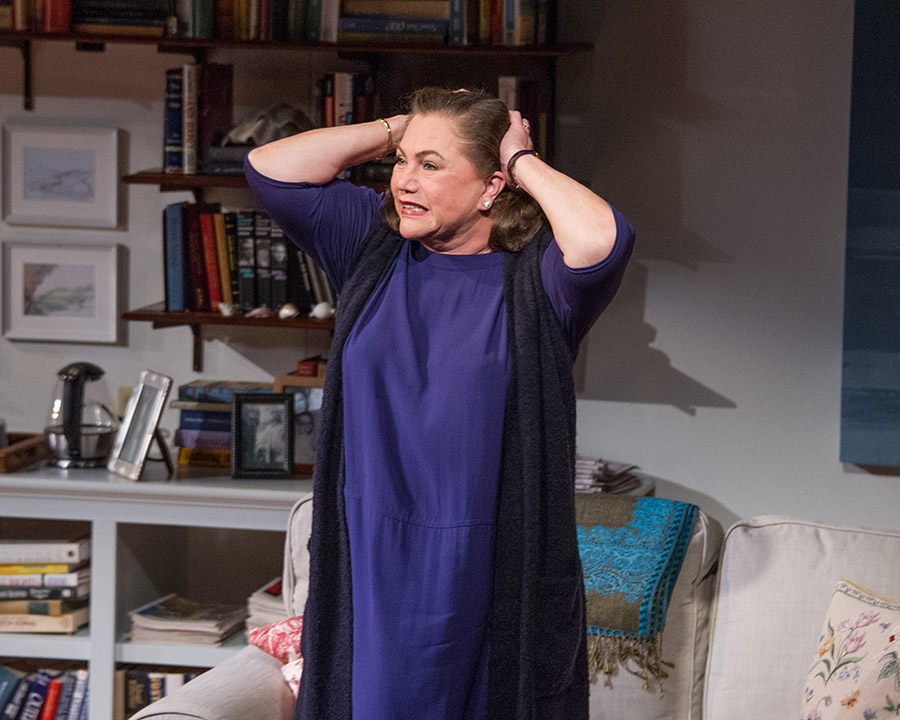 Kathleen Turner as Joan Didion in The Year of Magical Thinking at Arena Stage at the Mead Center for American Theater, October 7-November 20, 2016. Photo by C. Stanley Photography.