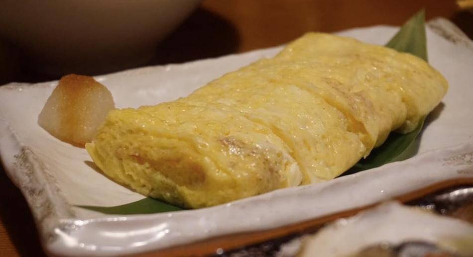 Warm egg omelet