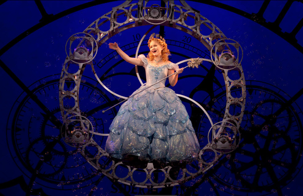 Amanda Jane Cooper as Glinda - photo by Joan Marcus