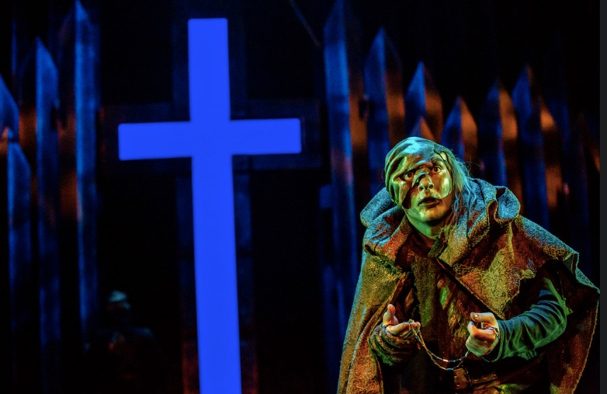 Vato Tsikurishvili as Quasimodo - Photo Credit: Johnny Shryock