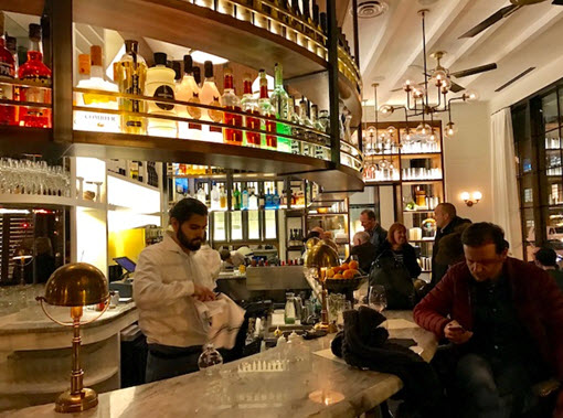 The lively bar at Tredici Enoteca
