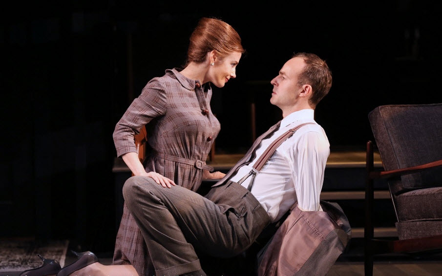 Lisa Dawn as Sarah and Patrick Kennedy as Richard